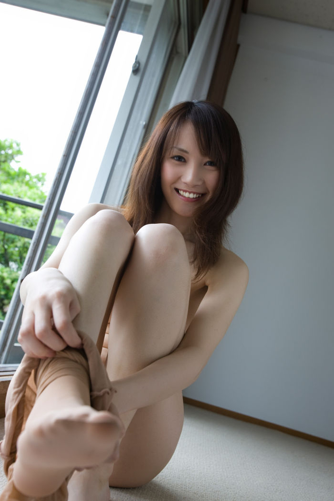 Japanese lady Hotaru Yukino is really proud of her breasts